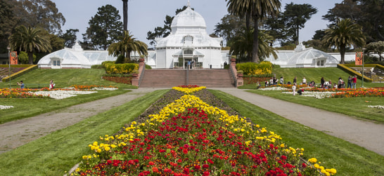 entrance to the conservatory of flowers at golden gate park